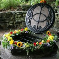 GUIDED JOURNEY CLUB MAY - Journey To Chalice Well in Glastonbury