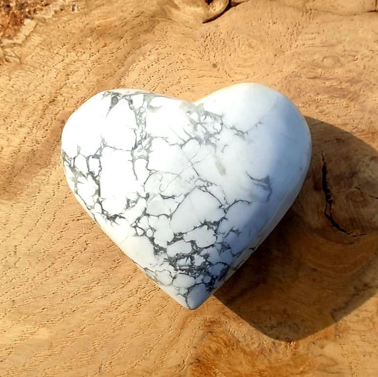 Howlite Heart (4)