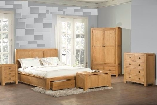 Avalon Oak Bedroom Retro Collection