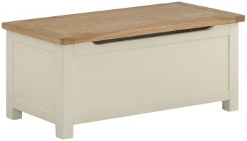 Stratton Cream Blanket Box
