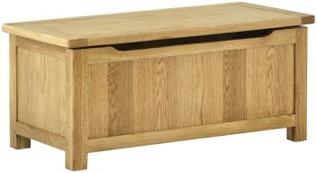 Stratton Oak Blanket Box