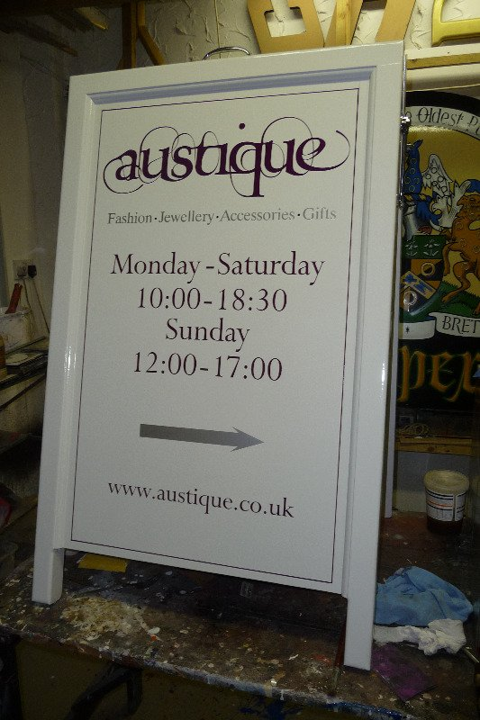 austique - a-frame