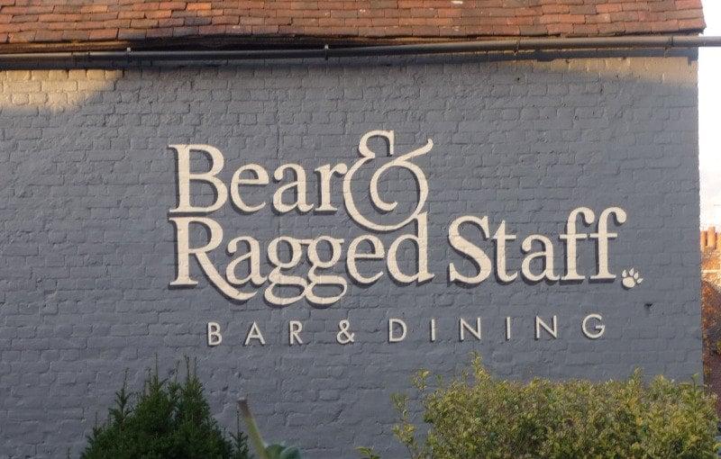 bear & ragges staff - signwriting on brickwork