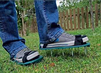 Lawn Grass Aerator - Aerating Shoes Sandals 13 x 5cm Spikes Shoe Easy Strap On