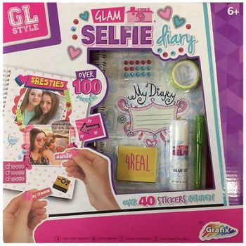 GLAM SELFIE PICTURE DIARY