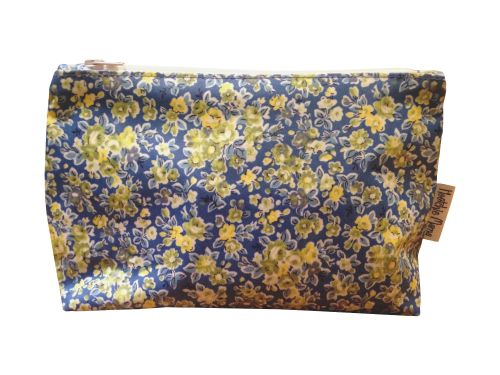 Blue Classic Rose Medium Washbag
