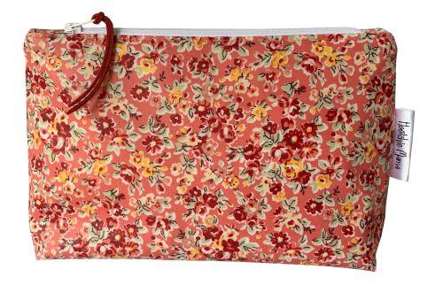Pink Classic Rose Medium Washbag