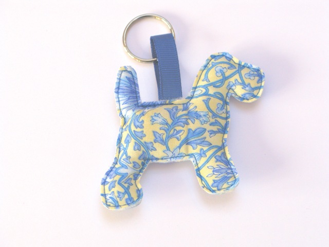 Dog Keyring in Blue LR