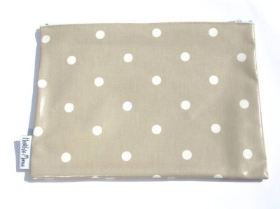Polka Dot Washbag in Taupe Brown