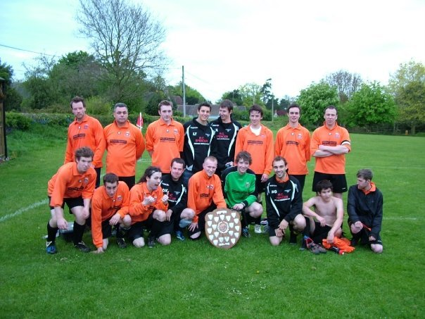 The double winning Reserves of 2009 celebrate like kings!