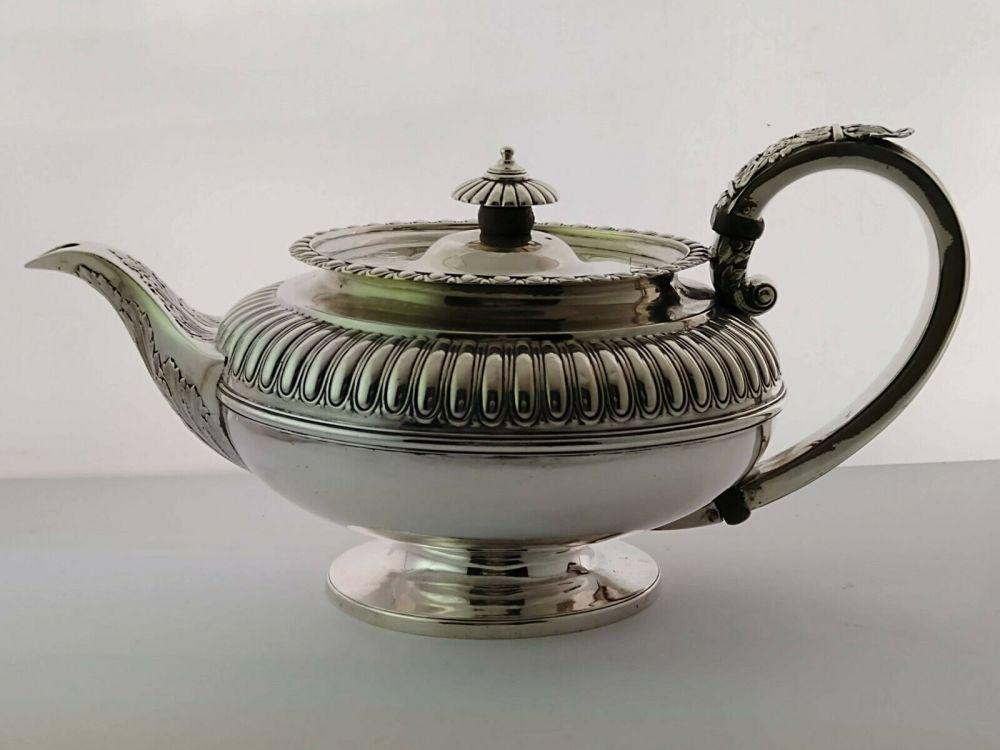 Georgian Silver Teapot - 875g - London 1825
