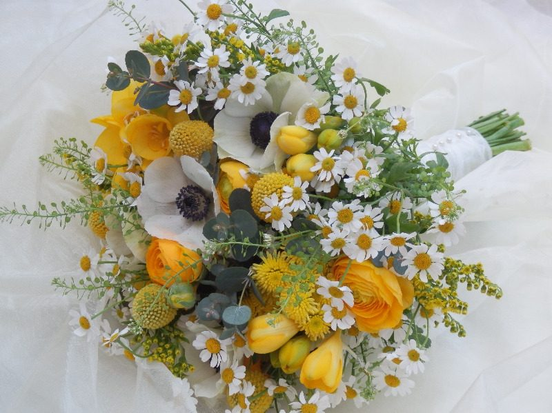 Jen Spring brides bouquet