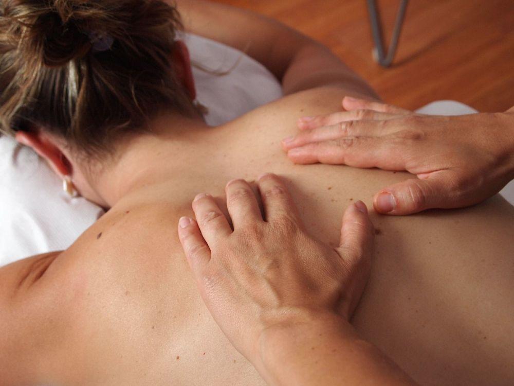 Accredited Abhyanga Snanam Full Body Ayurvedic Massage (1 day)