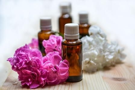 Aromatherapy Diploma: Blending, Anatomy and Physiology and Massage (3 days
