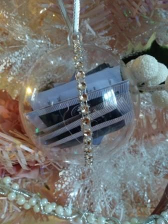 Neal's Yard Remedies Christmas Bauble