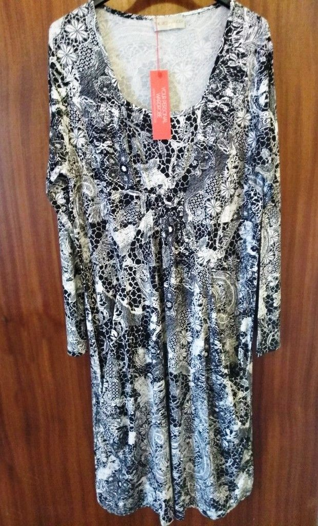 Black and White Paisley Pocket Jersey Dress