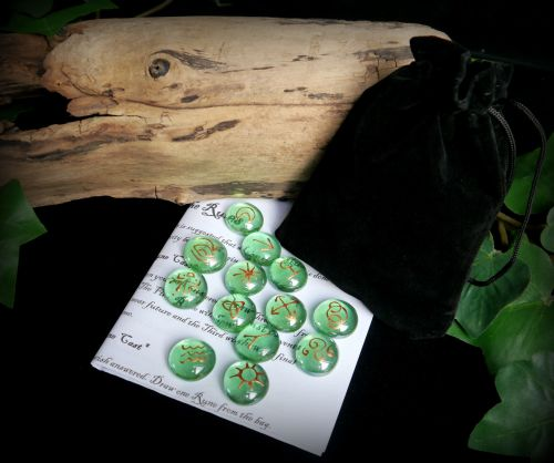 13 Witches Green & Copper Runes with Black Bag and Casting Instructions