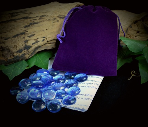 25 Blue Glass Runes & Elven Star Bag