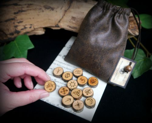 13 Witches Alder Wood Runes with Suedette Drawstring Bag and Casting Instru