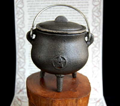 Mini Cast Iron Cauldron *Pentacle design*