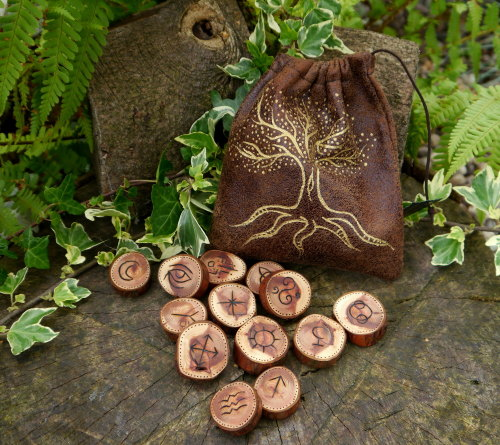 13 Yew Wood Witches Runes with *Tree of Life* Bag & Casting Instructions