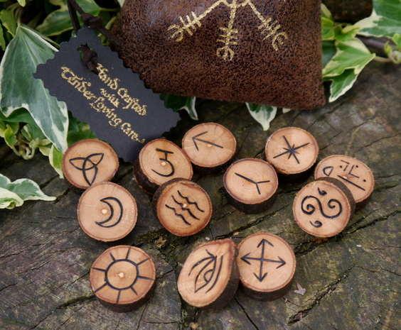 Apple runes 1