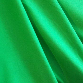 Plain Dyed Polycotton - Green 4 metres End of roll Piece