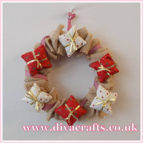 christmas wire wreath project diva crafts (4)