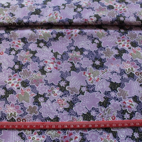 Flowers on Lilac 100% Cotton patchwork Fabric