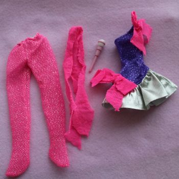 028 Authentic Jem Hasbro - Rock n Curl Dress, tights, pink hairbow and microphone