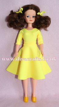 Handmade by Cazjar Pedigree Sindy Fashion - Reproduction 1981 Party Time - Yellow