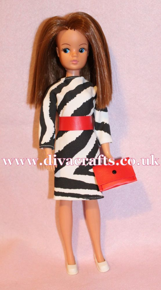 Handmade by Cazjar Pedigree Sindy Fashion - Reproduction 1985 Miss Sindy Bl