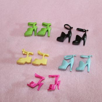 5 Pairs of shoes to fit Barbie Size Dolls