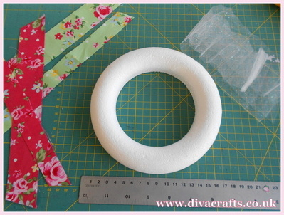 fabric wreath part 1 diva crafts