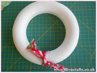 fabric wreath part 3 diva crafts