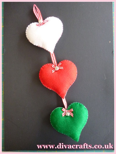 diva crafts hanging felt hearts free project (5)