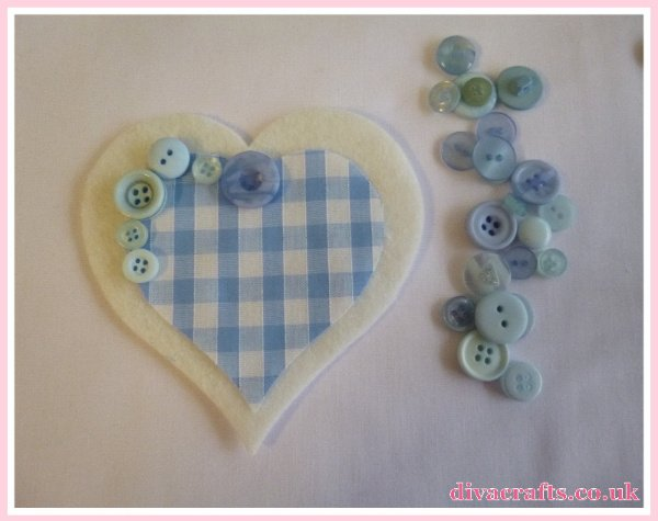 blue pink hanging hearts free tutorial diva crafts (1)