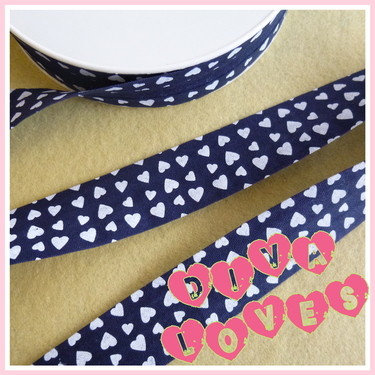 navy with white hearts bias binding diva loves week 25 diva crafts