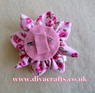 fabric flower free project diva crafts (7)