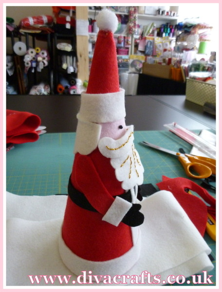 father christmas cone decoration free project diva crafts (9)