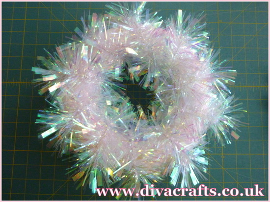 tinsel wreath free project diva crafts (2)