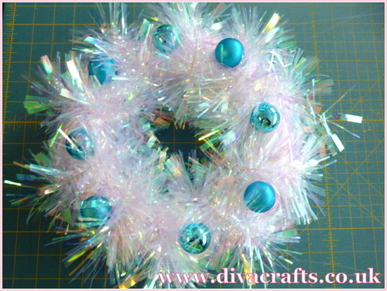 tinsel wreath free project diva crafts (4)