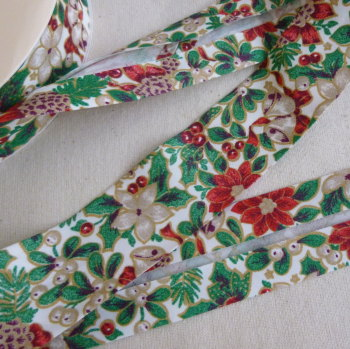 Christmas 30mm Wide Bias Binding - Beige Poinsettia
