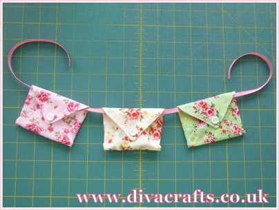 mini envelope bunting diva crafts (4)