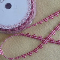 Bertie's Bows Heart Garland - Red Gingham