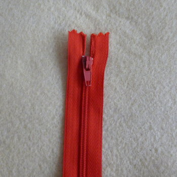 7 Inch Zip Nylon - 009 Red