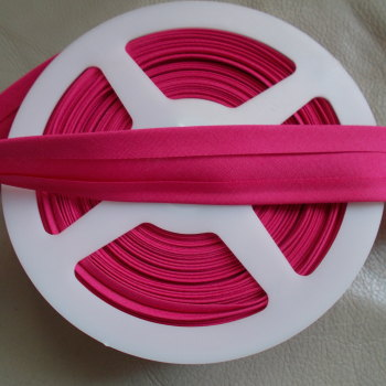 25mm Wide Polycotton Bias Binding - Hot Pink
