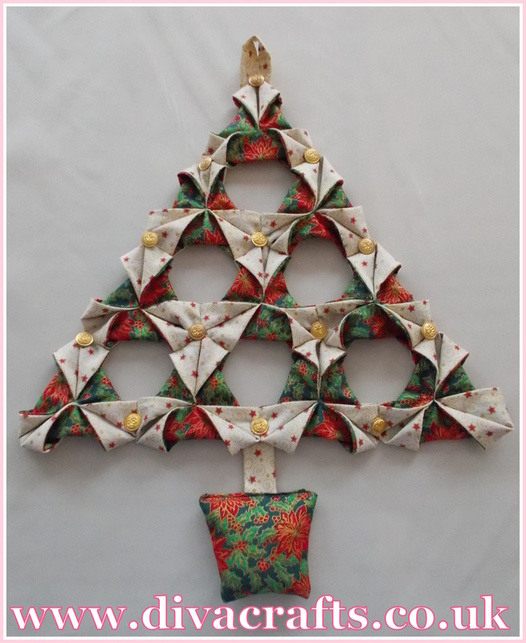 triangle christmas tree diva makes at diva crafts