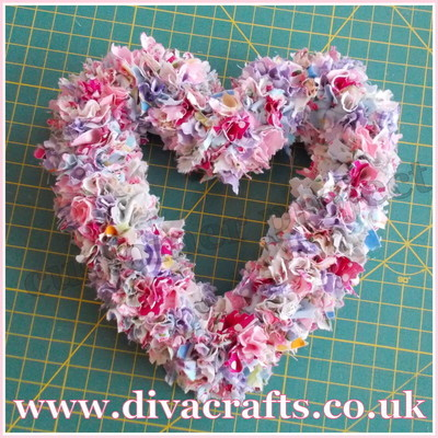 diva crafts customer project heart wreath by julie