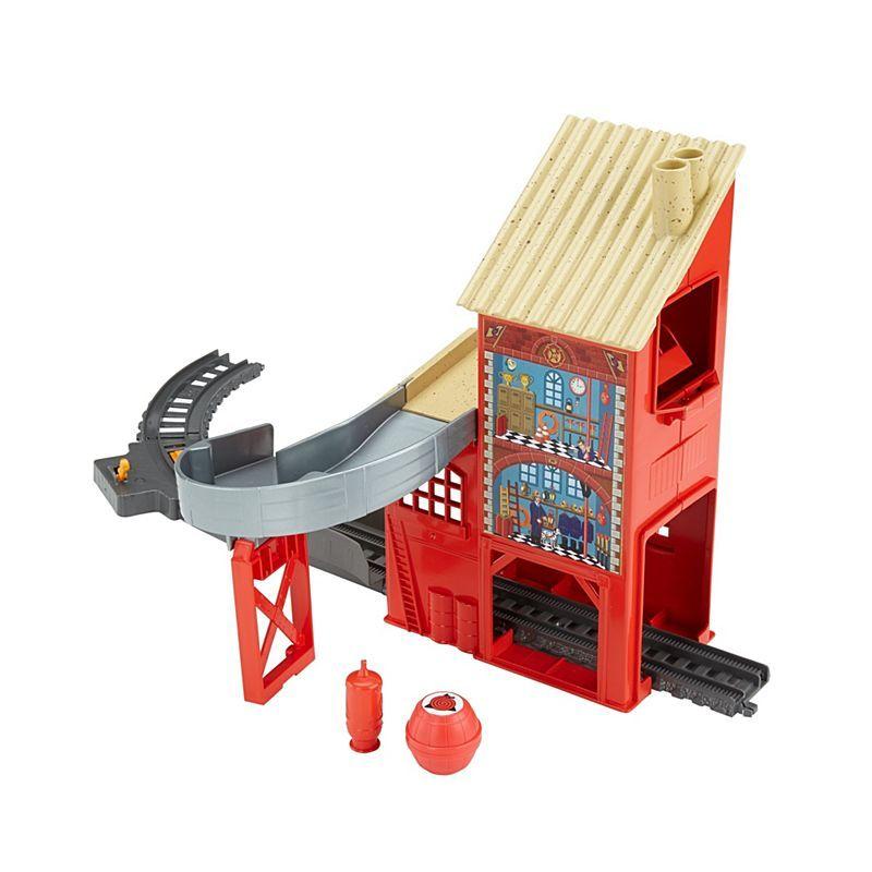 Fill Up Firehouse - Trackmaster Revolution